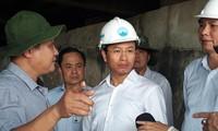 Ông Nguyễn Xuân Anh (giữa) từng làm Bí thư Thành ủy Ðà Nẵng đã bị kỷ luật vì những vi phạm nghiêm trọng. Ảnh: Nguyễn Thành 