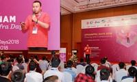 Lê Quang Hiếu thuyết trình tại một sự kiện do cộng đồng OpenStack toàn thế giới tổ chức năm 2018. Ảnh: NVCC