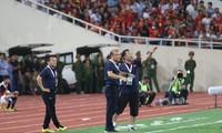 HLV Park Hang Seo sẽ phải tìm phương án gia cố hàng thủ ÐTVN cho những trận đấu sắp tới. Ảnh: NHƯ Ý