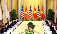 Tổng Bí thư, Chủ tịch nước Nguyễn Phú Trọng hội đàm với Tổng thống Donald Trump sáng ngày 27/2 tại Phủ Chủ tịch ảnh: Như Ý