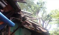 Những ngôi nhà di tích vùng 1 chờ sập nhưng nhiều người vẫn cố sống bên trong