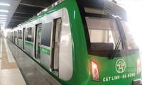 """Tàu đường sắt đô thị Cát Linh - Hà Đông đang phải """"nằm bờ"""" vì thiếu hồ sơ kỹ thuật. Ảnh: T.Đảng"""