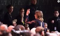 Nữ diễn viên Adèle Haenel đứng lên bỏ về ngay khi Roman Polanski được gọi tên ở giải Đạo diễn xuất sắc