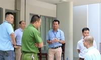 Công an và các lực lượng bảo vệ trước một điểm sao in đề thi ở Hà Nội