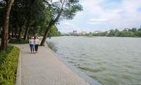 Dự án chỉnh trang, cải tạo, kè hồ Hoàn Kiếm đã phát huy được giá trị di sản, đóng góp vào việc giữ gìn kiến trúc, cảnh quan chung của Hà Nội Ảnh: Duy Phạm