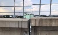 Bê tông đoạn dầm cầu cạn metro bị nứt, vỡ do rơi gối cao su Ảnh: CTV