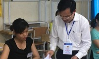 Ông Mai Văn Trinh, Cục trưởng Cục Quản lý Chất lượng, Bộ GD&ĐT thanh tra công tác chấm thi THPT quốc gia 2018 tại Hòa Bình ảnh: Nghiêm Huê