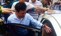 Được tại ngoại, ông Nguyễn Hữu Linh đã đến tham gia phiên tòa Ảnh: Tân Châu