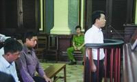 Các bị cáo trong lần xử trước đây Ảnh: Tân Châu