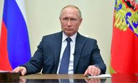 Tổng thống Nga Putin vừa cho phép kết thúc thời gian nghỉ làm việc vì COVID-19ảnh: Reuters