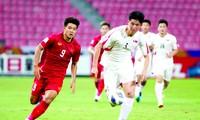 Hà Đức Chinh là một trong những tiền đạo hiếm hoi của bóng đá Việt Nam hiện nay Ảnh: HỮU PHẠM