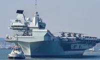 Tàu HMS Queen Elizabeth rời cảng ở Porthsmouth, Anh, hồi tháng 9/2020. Ảnh: CNN