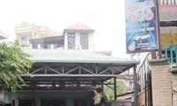 Một đại lý cho thuê ô tô tự lái tại Văn Quán (Hà Đông) ngày 22/4 thông báo hết xe cho thuê dịp 30/4. Ảnh: A.Trọng