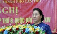 Chủ tịch Quốc hội Nguyễn Thị Kim Ngân trả lời cử tri Cần Thơ
