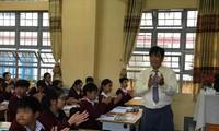 Long đong số phận giáo viên hợp đồng Ảnh: Nghiêm Huê