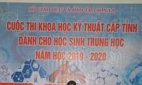 Em Nguyễn Hoàng Sơn (17 tuổi), cán bộ Đoàn trẻ tuổi nhất nhận giải thưởng Lý Tự Trọng 2020 ảnh: VNCC