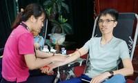 Anh Ngô Xuân Khương tham gia hiến máu tình nguyện