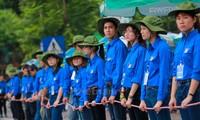 Chiếc áo màu xanh của sự sống và khát vọng