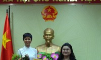 H'Hen Niê được chào đón nồng nhiệt ở quê nhà Đắk Lắk