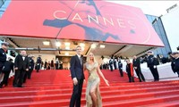 Liên hoan phim Cannes 2021 dời lịch, thảm đỏ trở thành địa điểm tiêm vắc xin COVID-19