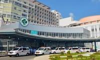 Hai vợ chồng bác sĩ ở Campuchia mắc COVID-19 về Việt Nam điều trị