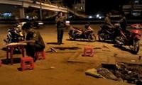 Hẹn nhau 'huyết chiến', 2 thiếu niên bị chém gục dưới gầm cầu