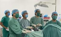 Lấy thành công khối u gần 3kg ra khỏi cơ thể cụ bà U100