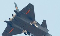 Máy bay tàng hình Trung Quốc 'nhái' máy bay Nga?