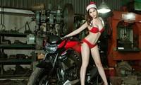 Diện nội y đỏ rực, mẫu Việt 'đốt cháy' xế nổ mùa Giáng sinh