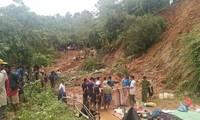 Hiện trường vụ sạt lở núi làm một gia đình 6 người ở thôn Tà Rùng, xã Húc, huyện Hướng Hóa (Quảng Trị) tử nạn. Ảnh: N.Đ
