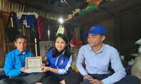 T.Ư Đoàn trao huy hiệu 'Tuổi trẻ dũng cảm' cho thanh niên cứu 3 phụ nữ bị lũ cuốn