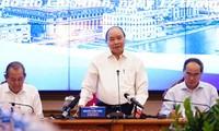 Thủ tướng Nguyễn Xuân Phúc kết luận tại buổi làm việc - Ảnh: Người Lao Động