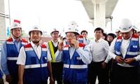 Phó Thủ tướng Phạm Bình Minh thị sát tuyến metro số 1, gỡ vướng các dự án ODA