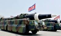 Tên lửa Scud-ER vừa mới được Triều Tiên công khai trong lễ diễu binh vào ngày 15/4. Ảnh: CNN.