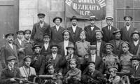 Đơn vị Cận vệ Đỏ của nhà máy Vulkan ở thủ đô Petrograd (đế chế Nga) vào tháng 10/1917. Ảnh: Telesurtv.