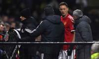 Matic dính chấn thương trong trận đấu với Watford