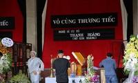Đồng nghiệp đau buồn bật khóc trong lễ viếng nghệ sĩ Thanh Hoàng