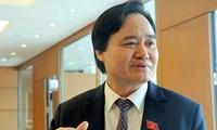 Bộ trưởng GDĐT Phùng Xuân Nhạ có số phiếu tín nhiệm thấp lên tới 137 phiếu.