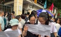 Thi vào 10 ở Hà Nội: Cập nhật đề thi, gợi ý giải bài ngoại ngữ, lịch sử