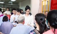 Top 3 Hoa Hậu Việt Nam 2020 và Người đẹp Nhân ái thực hiện chuyến đi từ thiện đầu tiên
