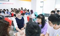 Đại học song ngữ quốc tế là môi trường tốt để nâng trình tiếng Anh
