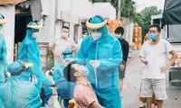 Bình Dương sẽ cấp phép y tế tư nhân được khẳng định PCR, mở thêm bệnh viện dã chiến