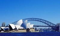 Nhà hát Opera Sydney là biểu tượng đặc trưng của nước Úc.