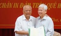 Nguyên Trưởng ban Tổ chức Trung ương Lê Phước Thọ ra mắt sách
