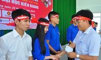 20 suất học bổng đến với sinh viên nghèo tại Chủ Nhật Đỏ Kiên Giang
