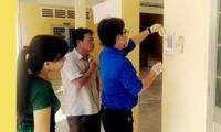 Sinh viên Trà Vinh chế nước rửa tay phát miễn phí