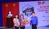 Học bổng Vừ A Dính tiếp sức học sinh dân tộc Chăm ở An Giang