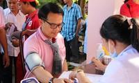 Người đàn ông Thái vượt hàng trăm cây số về vùng sâu hiến máu tình nguyện