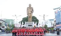 Nhiều hoạt động ý nghĩa của Hành trình Đỏ tại quê hương Bác Tôn