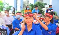 Hàng trăm bạn trẻ tham gia hiến máu tại trường ĐH Đồng Tháp